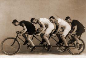 Zapaleni rowerzyści