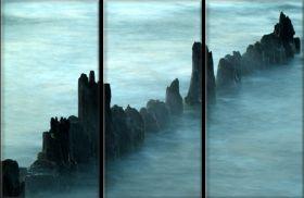Skały we mgle