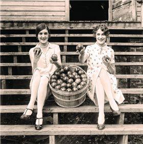 Dziewczyny z jabłkami
