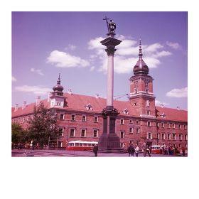 Kartka pocztowa – Kolumna Zygmunta na tle Zamku Królewskiego