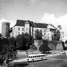 Autobus pod Wawelem