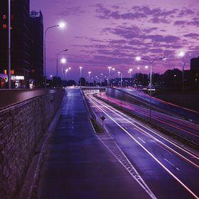 Magnes - Warszawska ulica nocą