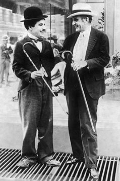 Magnes - Charlie Chaplin i Alexander More w studio w Hollywood