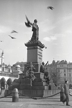 Magnes - Pomnik Adama Mickiewicza