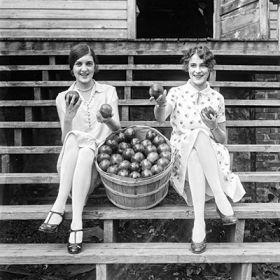Magnes – Dziewczyny z jabłkami