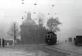 Pocztówka - Tramwaj przy Kościele św. Wojciecha