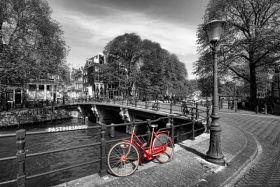 Amsterdam, czerwony rower