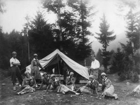 Harcerki z Wieliczki na obozie w Roztoce Wielkiej