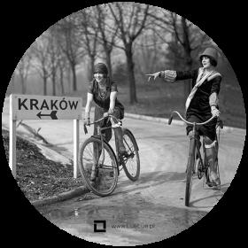 Naklejka - dziewczyny na rowerach