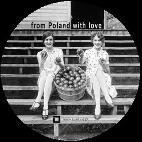 Naklejka - Dziewczyny z jabłkami