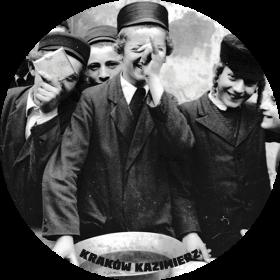 Naklejka - Chłopcy żydowscy podczas święta
