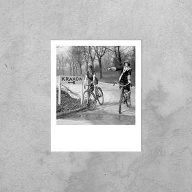 Kartka Polaroid - Dziewczyny na rowerach