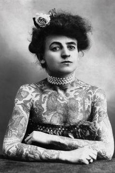 Kartka pocztowa - Tatuażystka