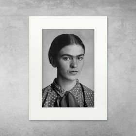 Frida Kahlo, portret - zdjęcie z passe-partout