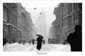 Kartka pocztowa – Kobieta z parasolem na ul. Floriańskiej z napisem