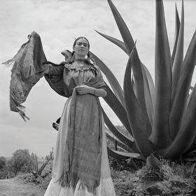 Frida Kahlo przy Agawie