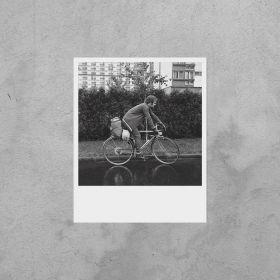 Kartka Polaroid - Warszawski rowerzysta