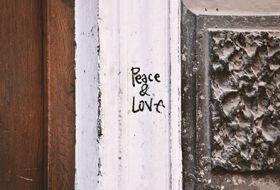 Kartka pocztowa - Street Art: Peace&Love