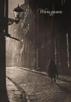 Kartka pocztowa - Kobieta w uliczce, Warszawa